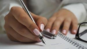 Read more about the article Come impugnare la penna: 3 consigli per evitare vizi posturali